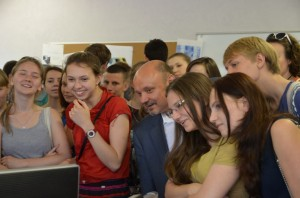 В наноцентре «Техноспарк» открылся Центр Молодежного Инновационного Творчества.