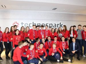 «Мой первый бизнес»: как проходило знакомство старшеклассников с технологическим предпринимательством в ТехноСпарке